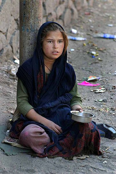 Indian girl begging copyright Steve Evans