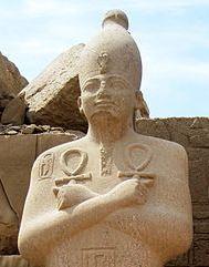 449px-Karnak_Tempel_14 copyright Olaf Tausch 1April2009 _crop
