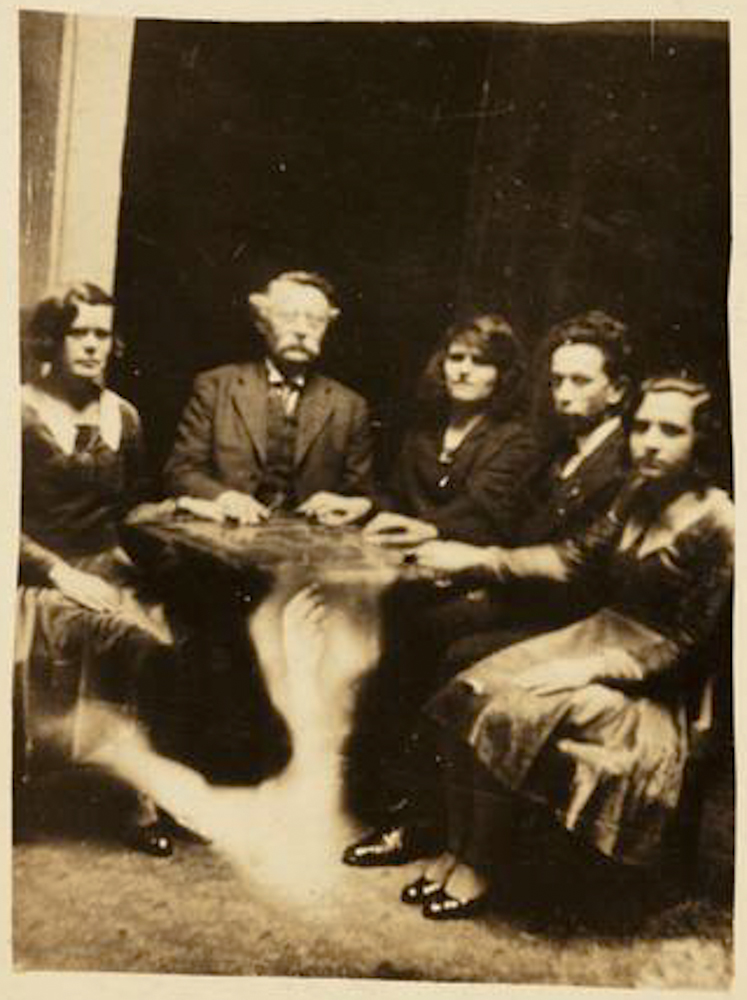 A seance from around 1920